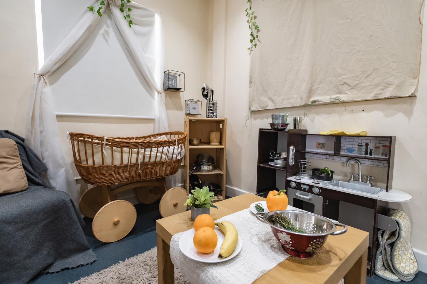 Another kitchen play area.